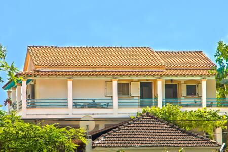 Villa Katerina Mon