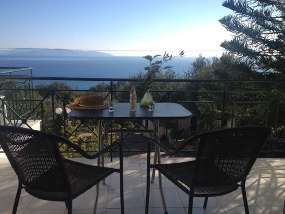 Kefalonia cottage bel panorama townhouses in affitto a for Piani di bungalow di 1500 m