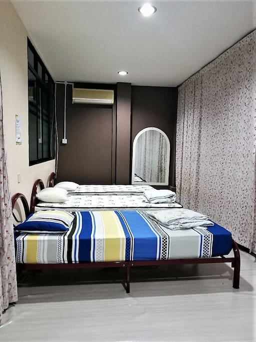 A/C - 3 Single Beds - 1B