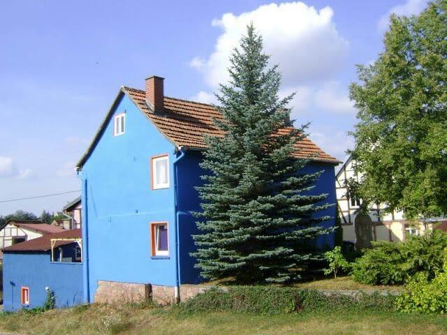 Blaues Haus am Naturpark Kyffhauser - Kyffhäuserland