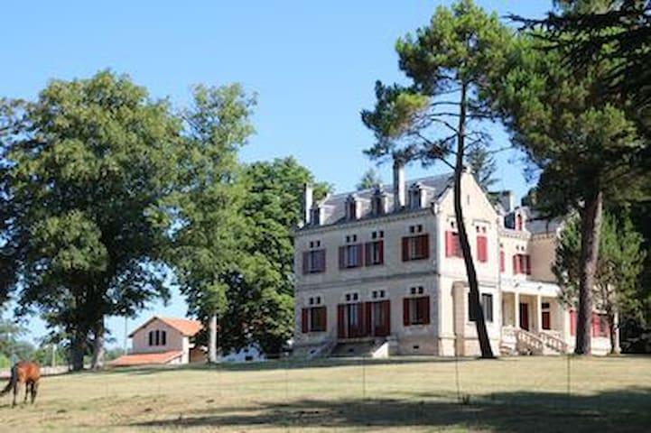 Château au calme près des vignes du Sauternais