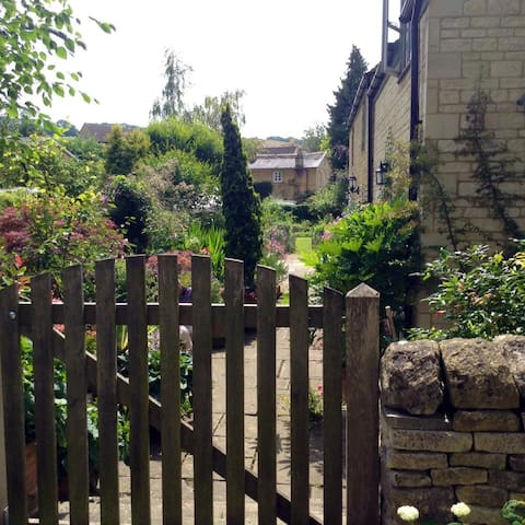 Secret garden in the Cotswolds