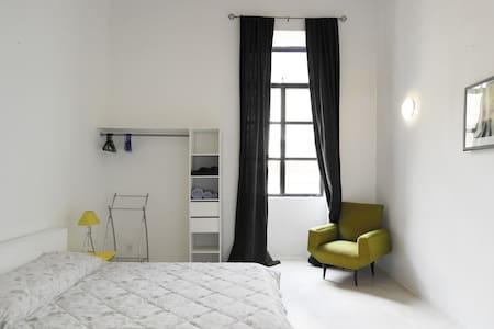 Right in the heart of Valletta Apt3