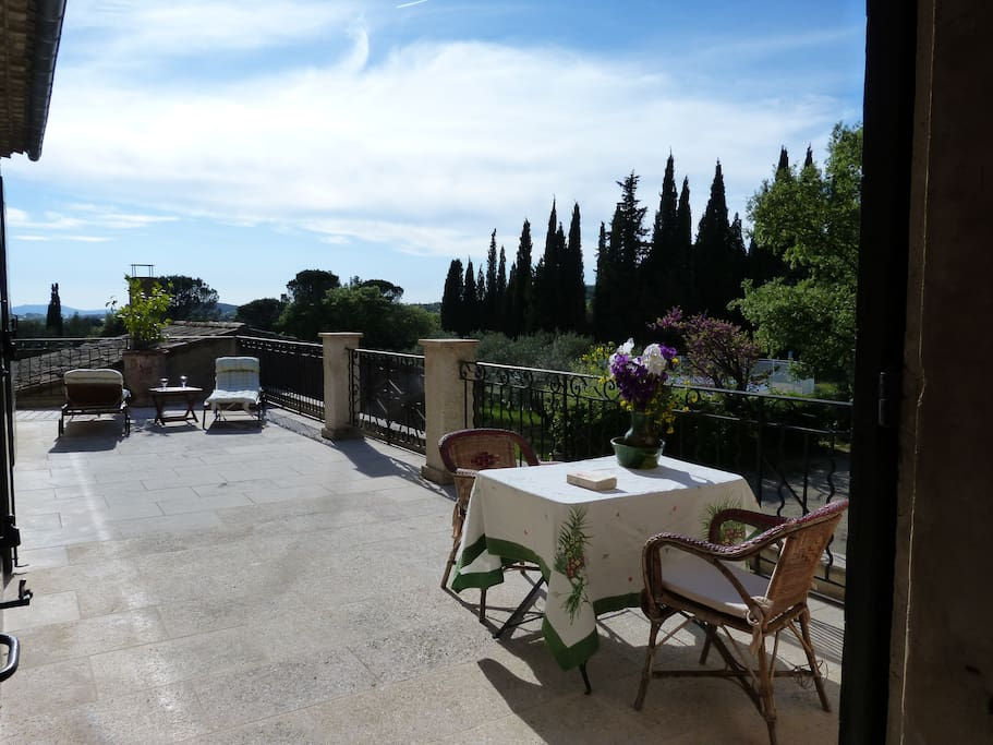 Terrasse appartement Les OLIVIERS