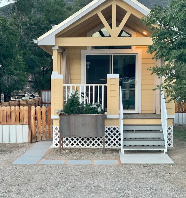 New! Little Wren, best tiny house in Salida!