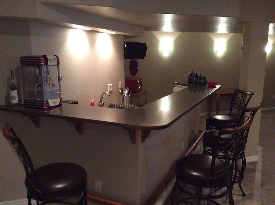 Bar and cooking area