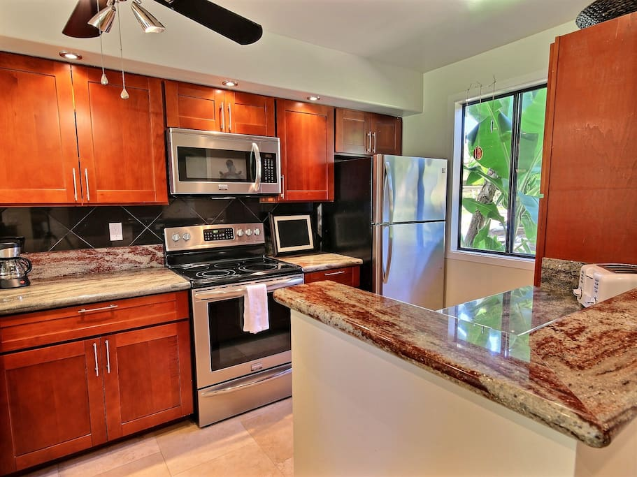 Fully appointed kitchen with exotic and natural elements