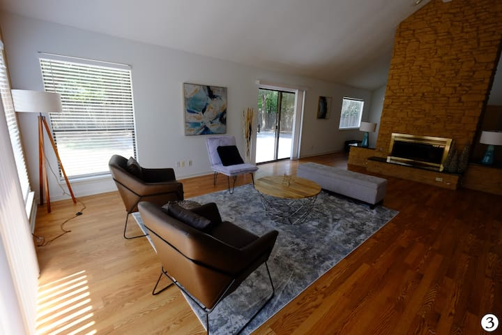 Fully Furnished room in an excellent location