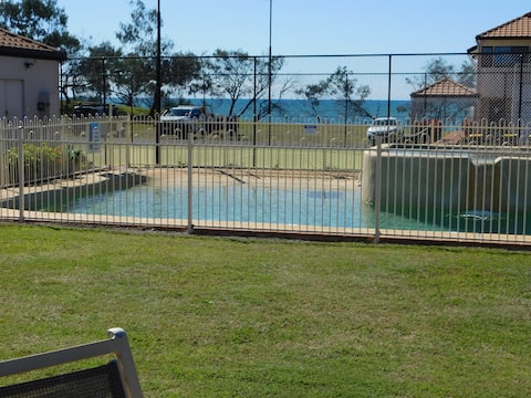 Villa 18 With Ocean Views & Free WI-FI