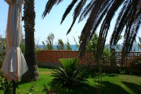 Have a getaway break overlooking the Mediterranean - Benicarló - 独立屋