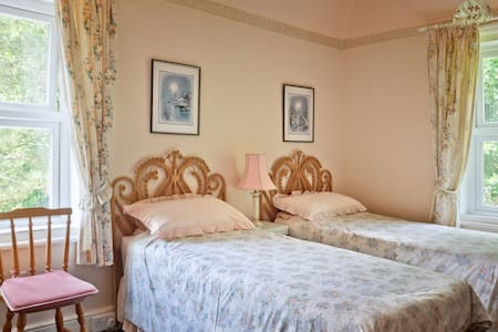 B&B in Woodhall Spa: Twin/Triple - Woodhall Spa - Bed & Breakfast