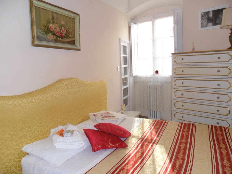 Example of the bedroom setting in summer