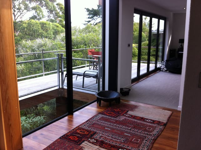 Quiet, central, stylish new home - Auckland - Casa