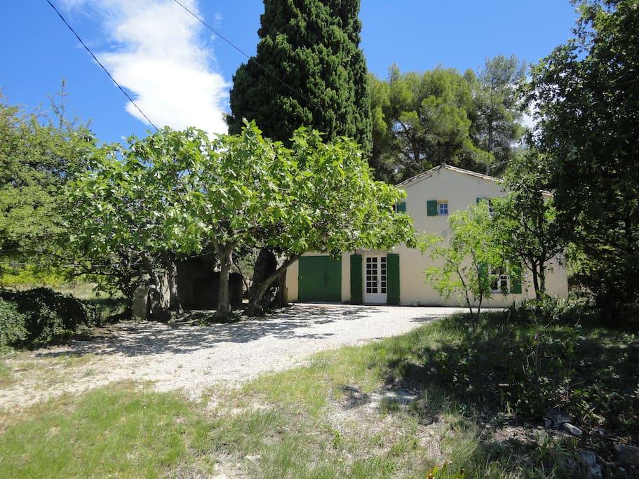 Maison de campagne houses for rent in caromb provence - Maison de campagne en france ...