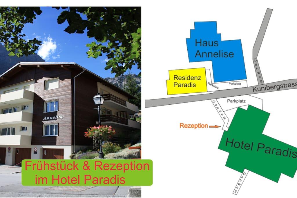 Aussenansicht, Wohnung im 1. Stock, gegenüber ist die Rezeption im Hotel Paradis, dort gibt es auch das Frühstück