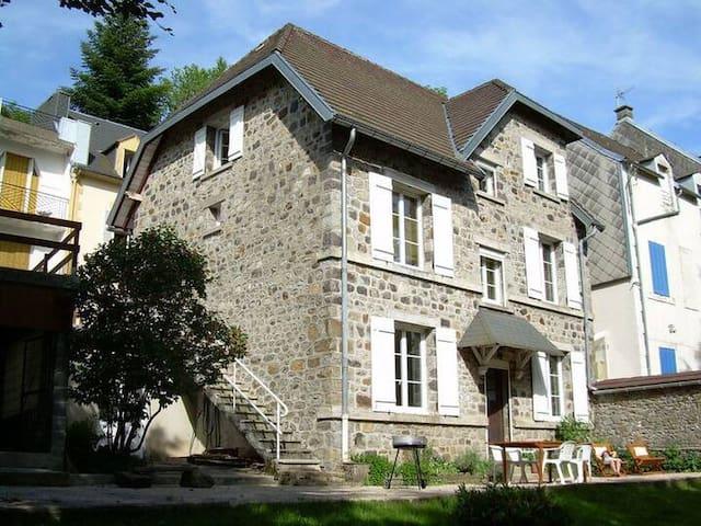 Villa proche centre et accès direct parc fenestre
