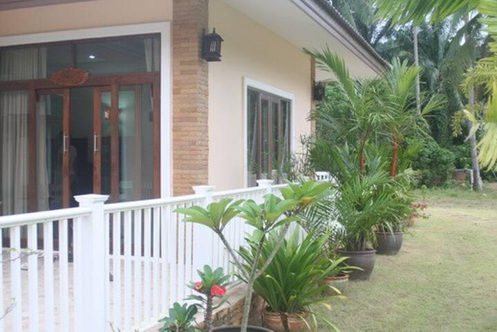 Large Spacious Garden Villa in Krabi