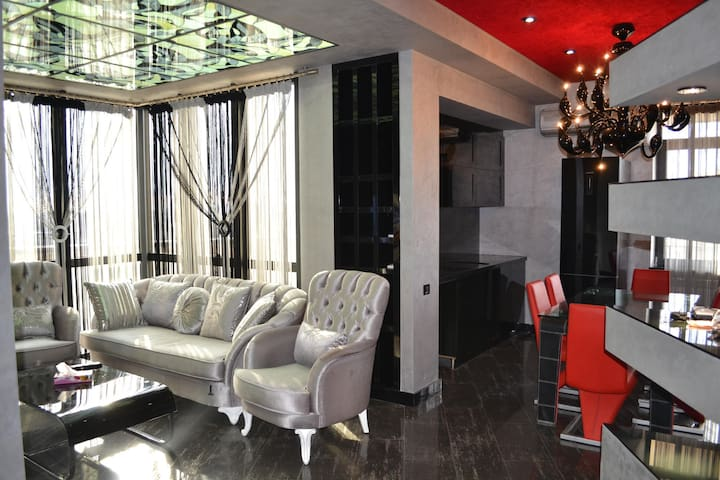 Penthouse on Rep.Sq. - Yerevan - Appartement