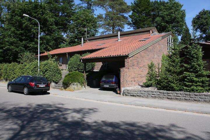 Værelse m. eget bad - nær Silkeborg