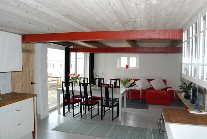 Newly renovated apartment at a farm - Löderup - Apartment