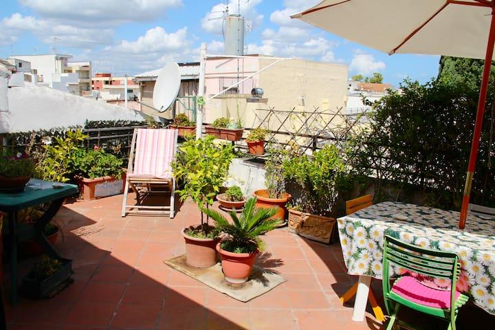 STANZA CON BAGNO E TERRAZZO - Casamassima - Dům