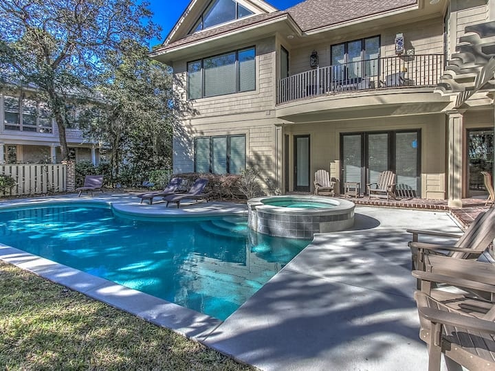 18 Sandhill Crane~Beautiful vacation home that is 2nd row from the ocean