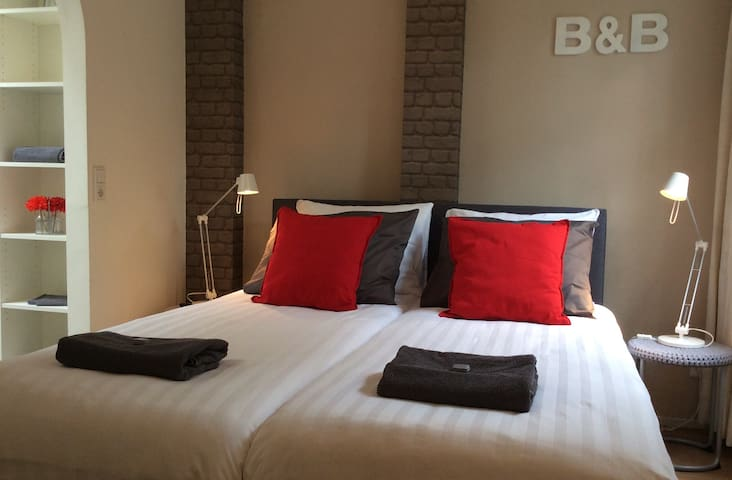 Rural only 15 km to Rotterdam - Westmaas - Bed & Breakfast