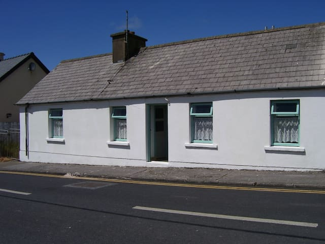 A house with real tradition! - Miltown Malbay - Hus