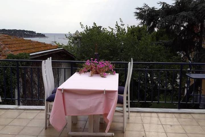 Sun, sea and pleasure on Prinkipo - Adalar - Apartmen
