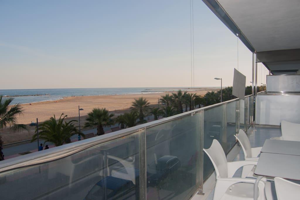 Piso en 1 linea de playa en cubelles appartements - Alquiler de pisos en cubelles ...