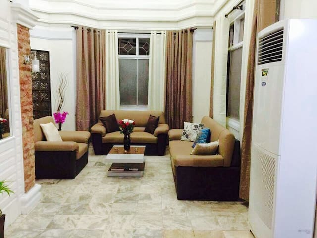 Big cozy house decent Neigbourhood - Tagum City - House