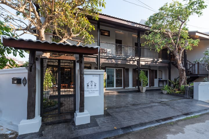 Thai contemporary-style house near Central Airport