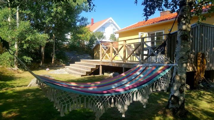Nice cottage on beautiful Hönö (Helt hus & tomt)