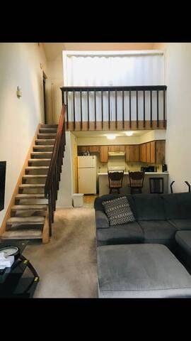 Affordable3Bed2Bath2storyTownhouseCentrallyLocated