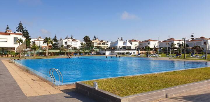 Villa à Mansouria avec piscine et plage privée