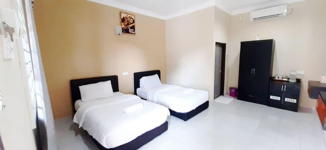 Cenang Twin-Bed Room (2 Mins to Cenang Street)