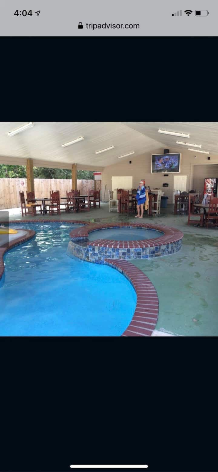 Campers for rent in Lake Charles area
