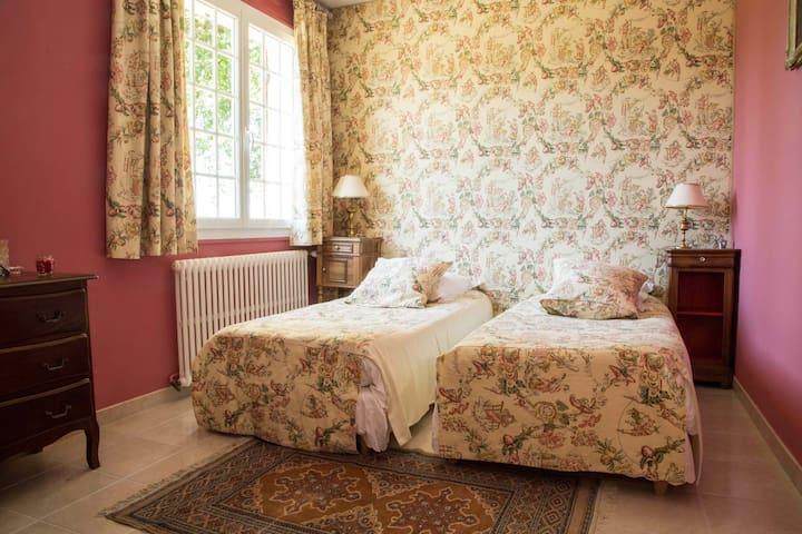 Domaine de chalamard chambre rose