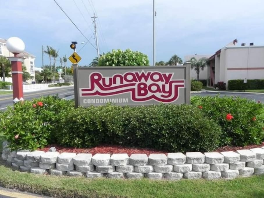 Entrance to Runaway Bay