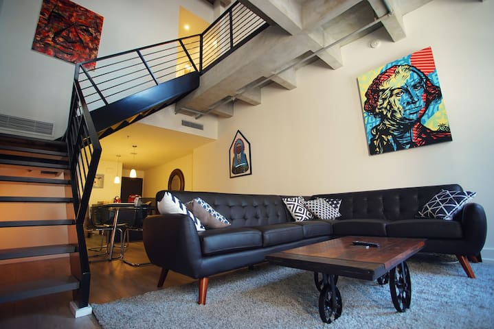 Artful Open Space Loft in Downtown LA - Los Angeles - Byt