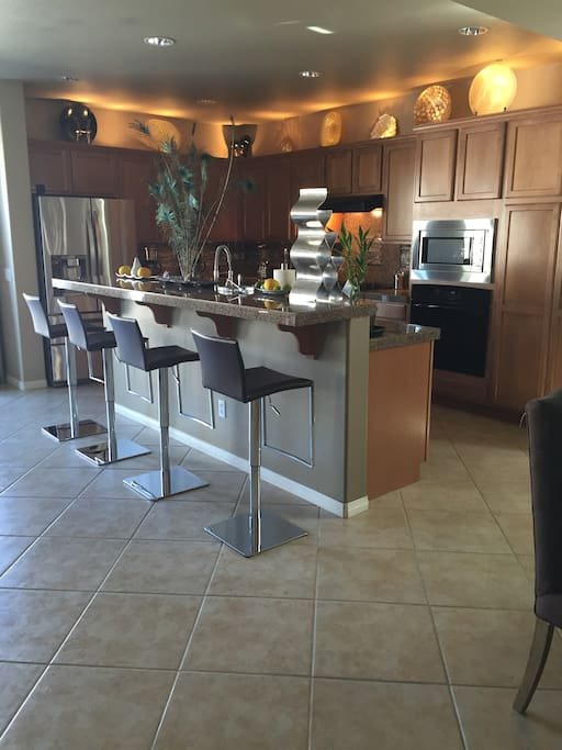 Full Kitchen and bar