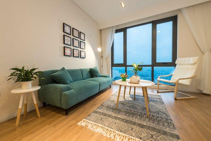 Modern Pleasant Riverside Apartment
