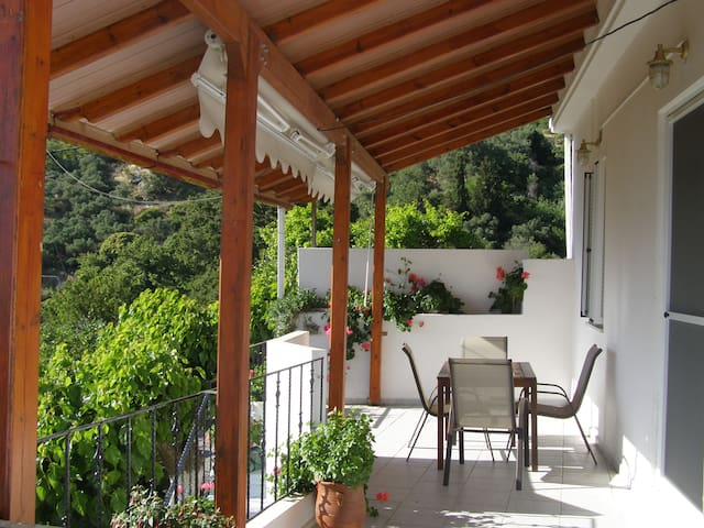 Country house with view (20 min from Elafonisi)