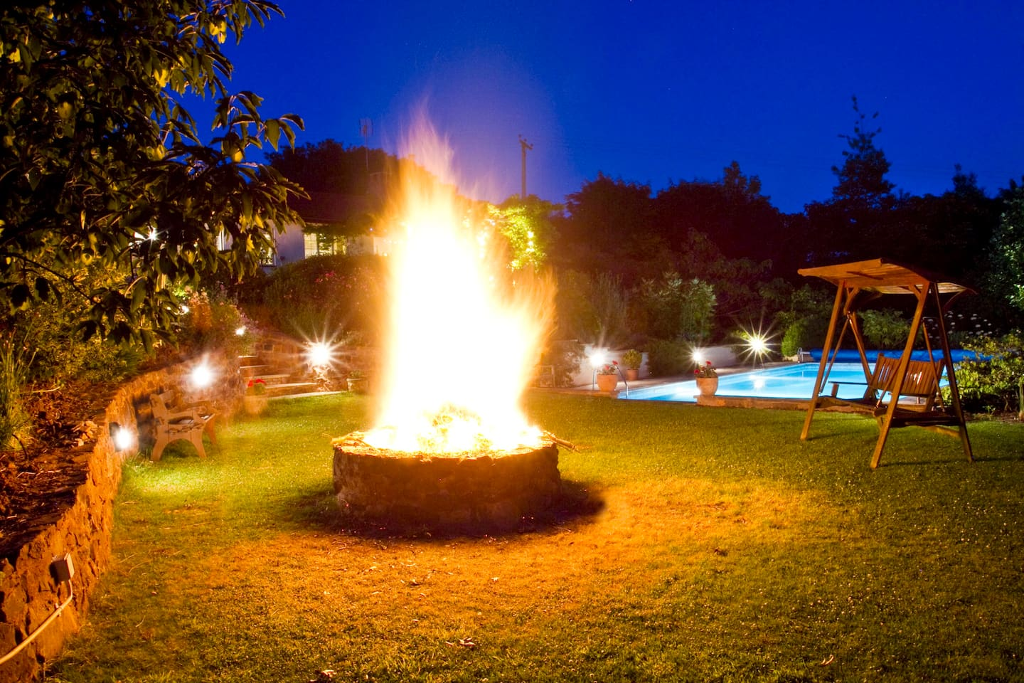 Outdoor Summer / Winter fire pit area