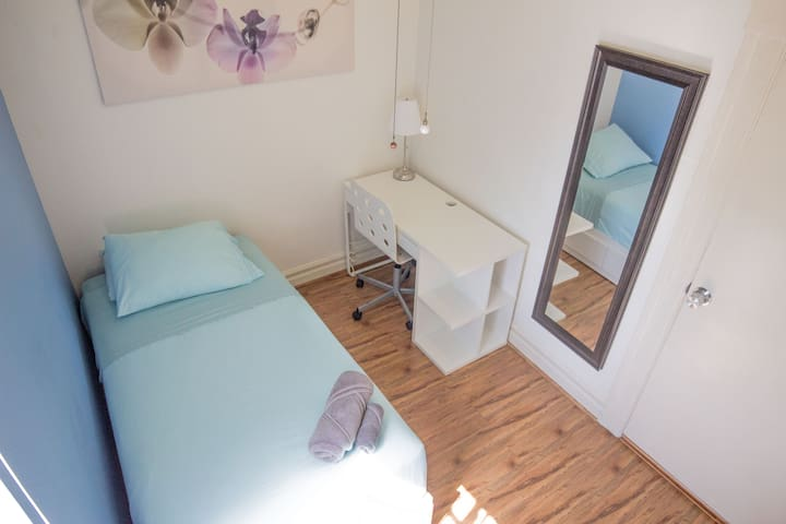 The Compact Room in a heart of Los Angeles