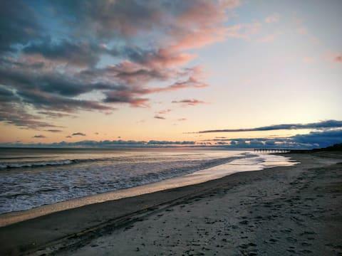 Atlantic Beach Oasis - steps to the ocean!