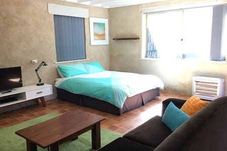 Spacious apartment on the park - West Busselton - Lägenhet