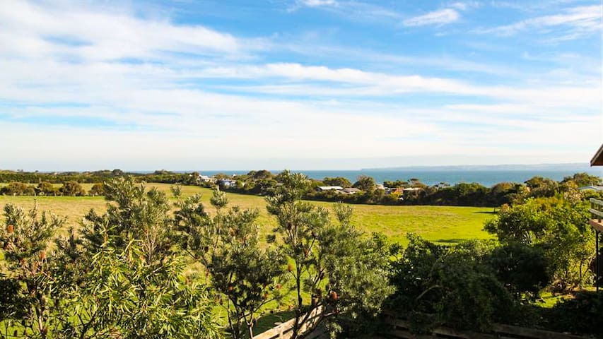 Beulah - Water and rural views in Ventnor