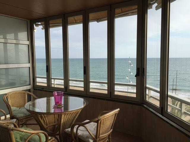 Primerísima línea de mar HUTT008510 - Calafell - Apartment