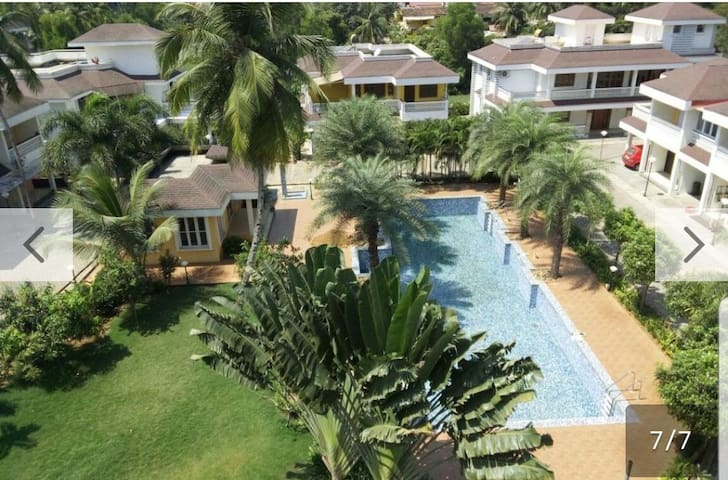 Goa, Colva: Studio Apartment with pool near beach